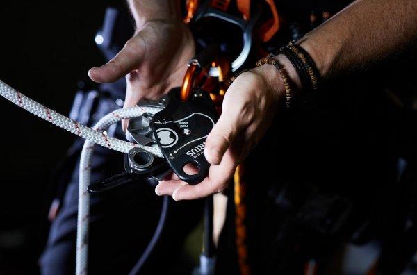 SIRIUS מכשיר גלישה אבטחה וחילוץ SKYLOTEC